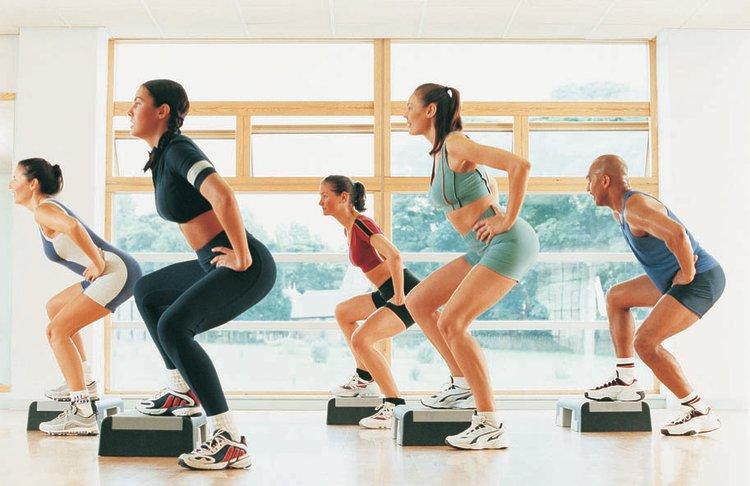 step class, aerobic training, cardio