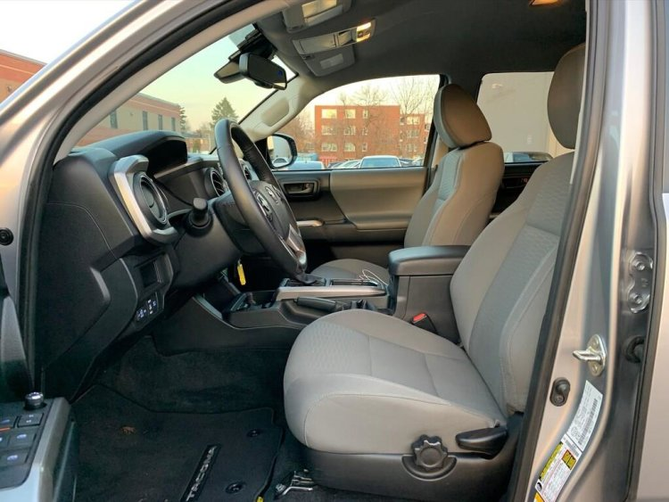 2018 Toyota Tacoma SR5 V6 4x4 Double Cab Interior