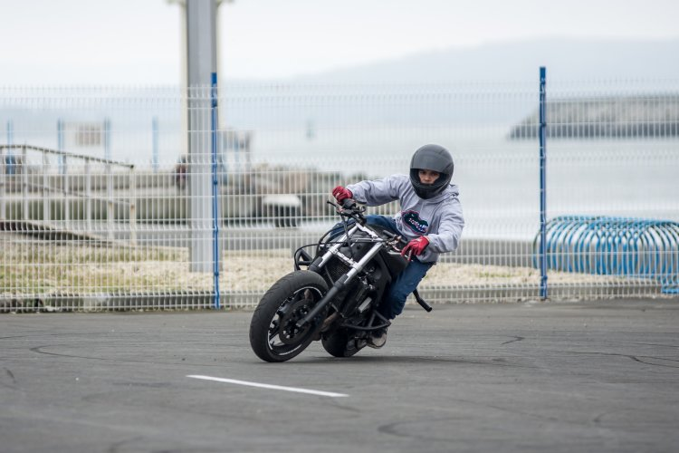 motorcycle sweatshirt with armor