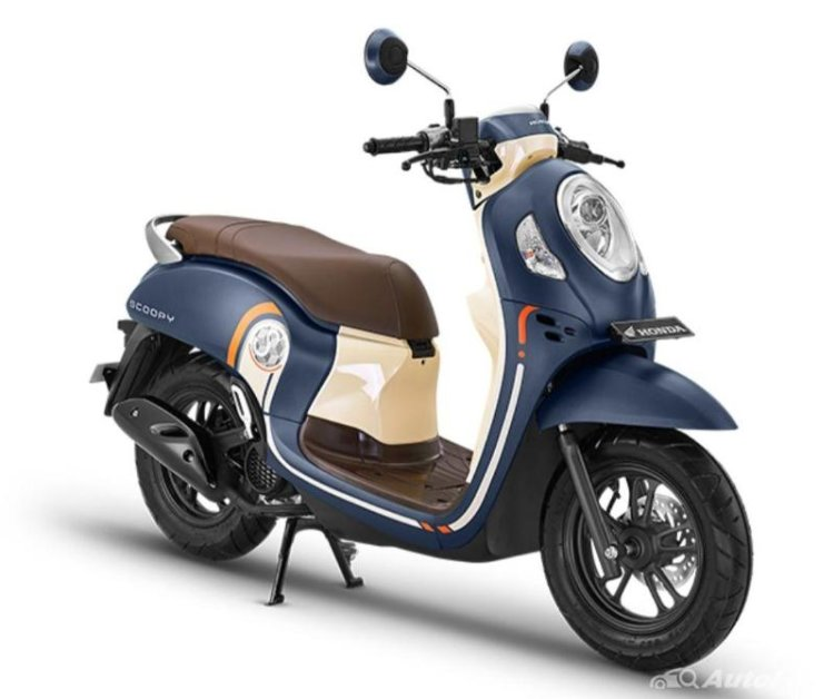 Why is the upgraded Honda Scoopy more expensive than the Honda Vario 125 CBS?