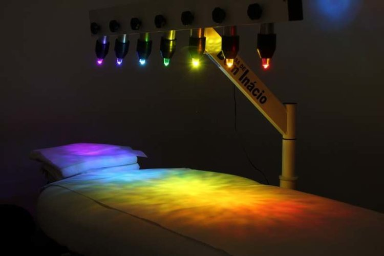 crystal healing bed, chromotherapy, colour therapy, the rock spa, light therapy