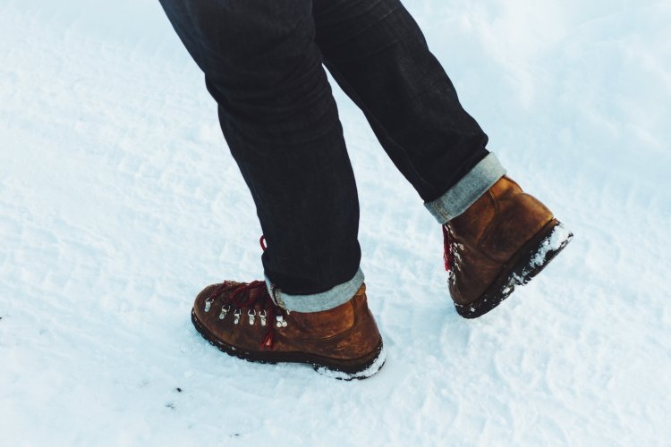 Snowboots Mainway Physiotherapy burlington ontario canada winter snow