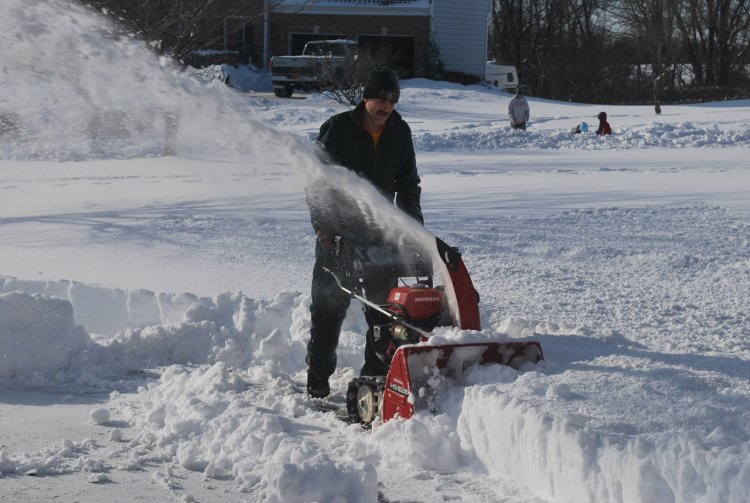 Snowblower Mainway Physiotherapy Burlington Ontario Canada