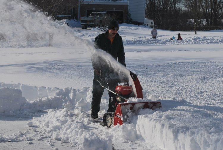 Snowblower Mainway Physiotherapy Burlington Ontario Canada