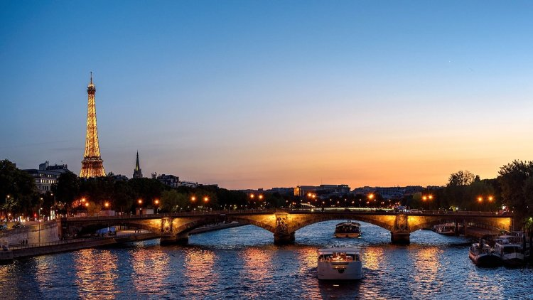 Five romantic things to do in Paris