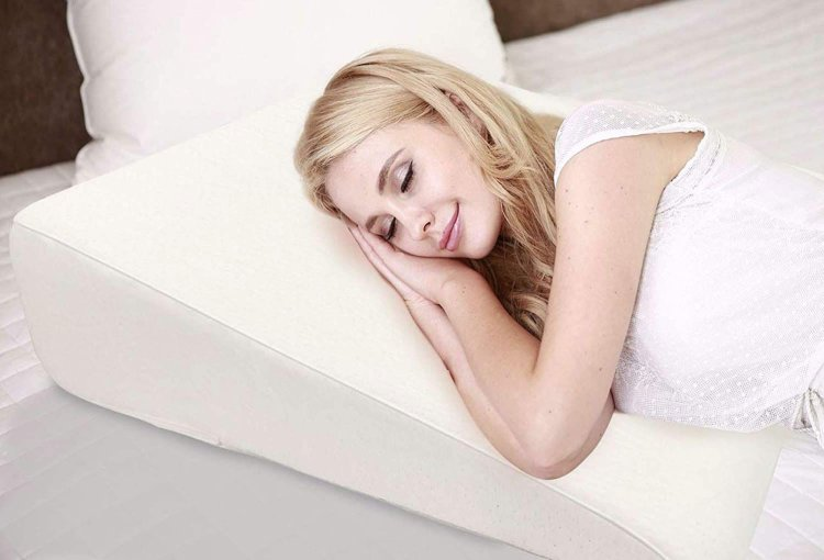 How to Use a Wedge Pillow to Get Help in Acid Reflux