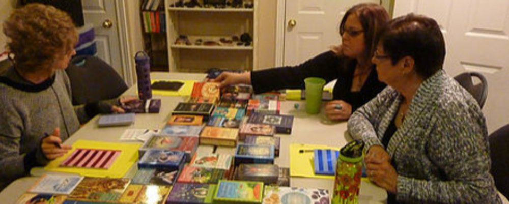 CO-CREATING WITH ORACLE CARDS