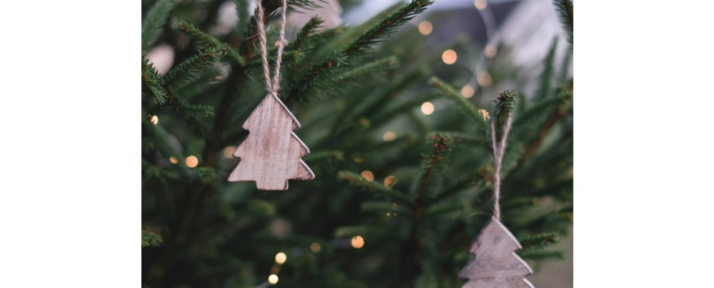 4 Tips That will Help You Save Money on Christmas Decent title here...