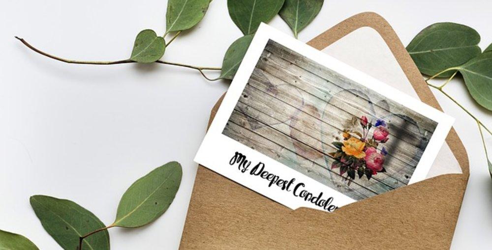 Etiquette & Tips on choosing Funeral Flowers