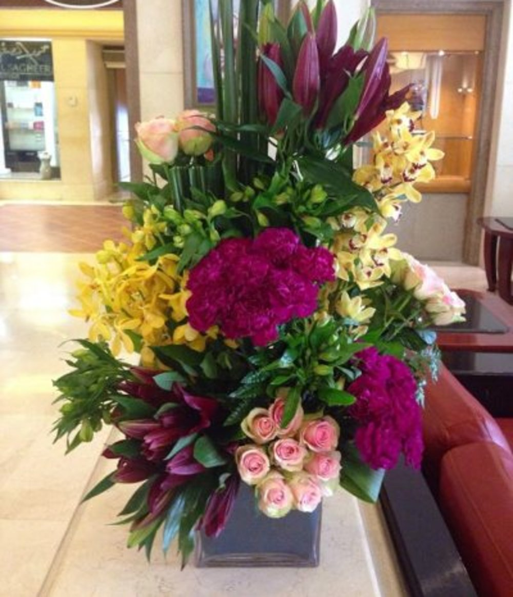 Express Your Emotions and surprise Your Loved Ones with Flowers