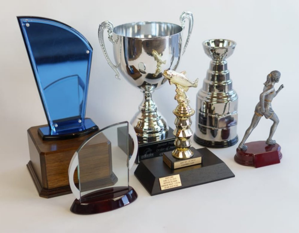 5 Things To Follow When You Buy Trophy Online