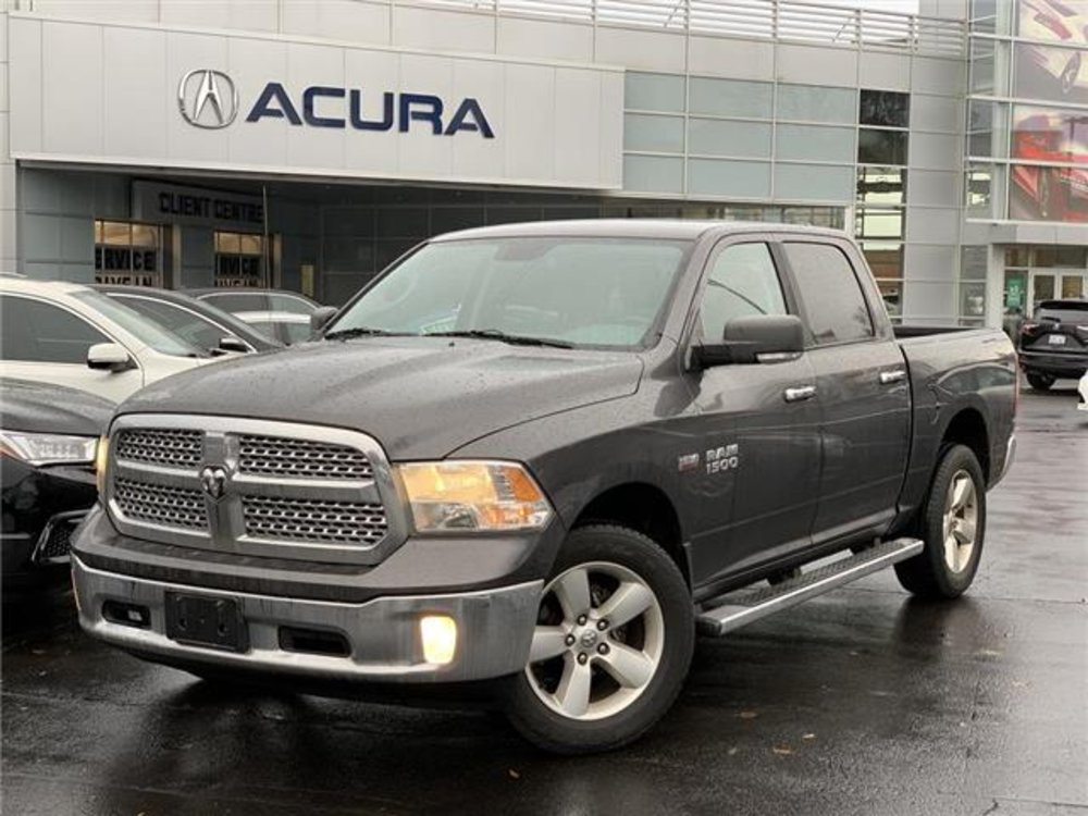 2015 pre-owned RAM 1500 SLT 4x4 Crew Cab $24,989 - Acura On Brant - Burlington