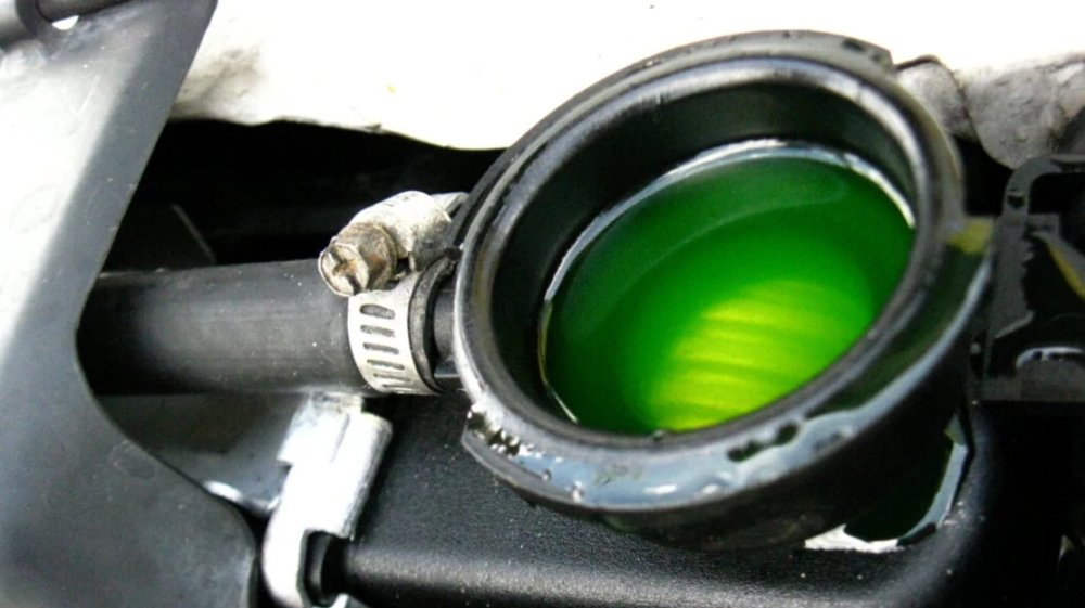 Coolant Flush Special NOW ONLY $99.95 (Reg $129.95) at Acura on Brant