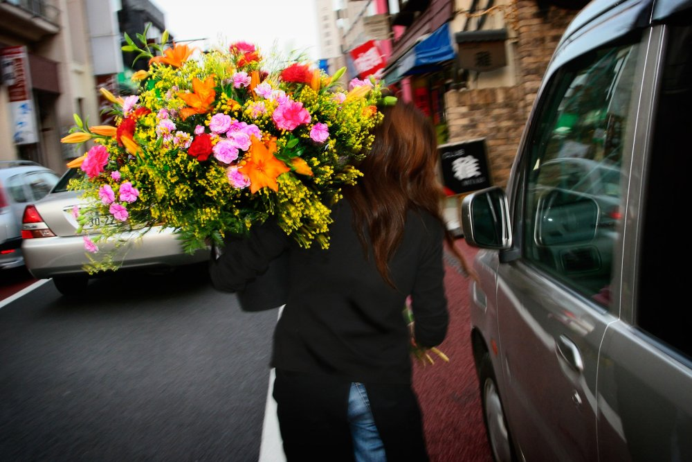 What to Look for when having Flowers Delivered