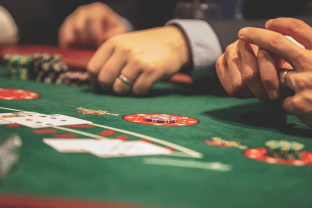 Different games that you can play in online casino