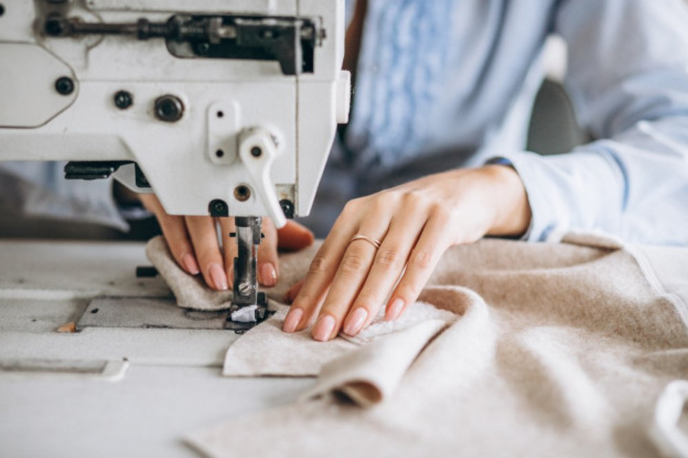 WHAT CAN YOU DO WITH AN INDUSTRIAL SEWING MACHINE?