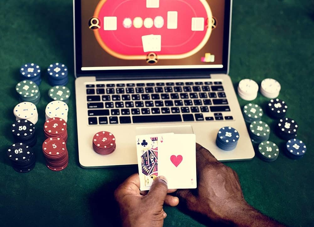 Why is it more fun to gamble online?