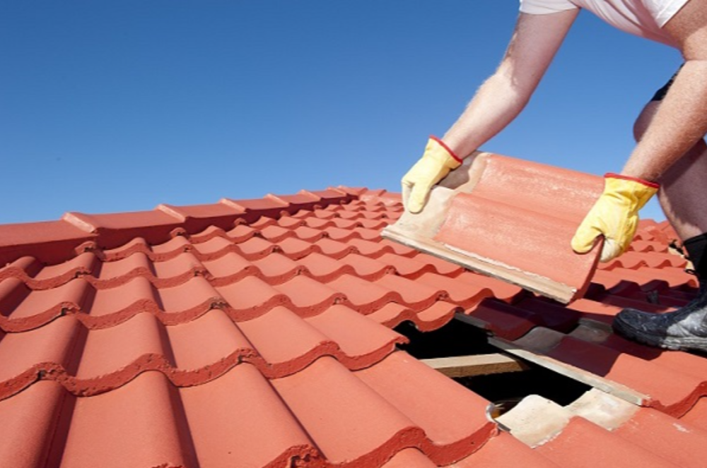 How Does Professional Roof Restoration Service Help You?