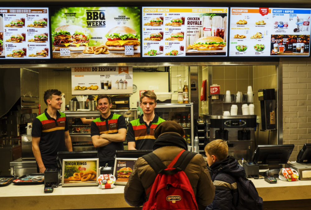 How to Use Digital Menu Boards for Your Restaurant