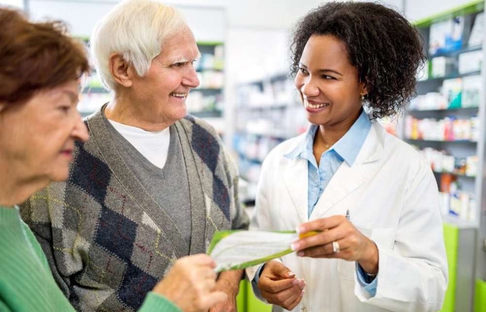 5 Ways Pharmacists Can Help Your Aging Adult