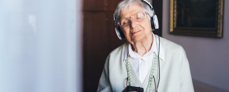 Music and Art as Therapy for Seniors