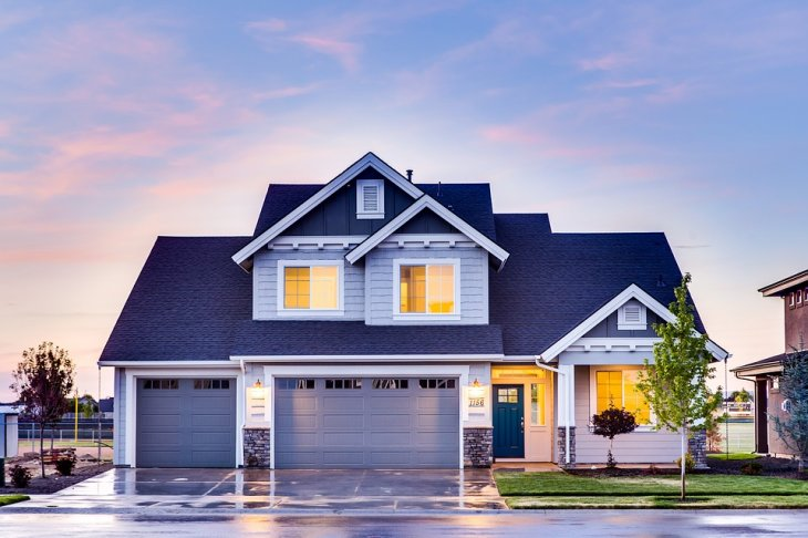 How is the Oakville real estate market doing?