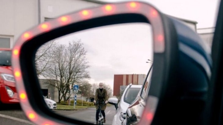 Ford Exit Warning Can Warn Cyclists When A Door Is Opening