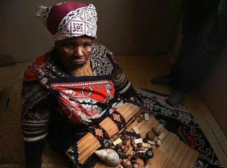 Spiritual healer and Online Psychic reader in the World Mama Mponye +27718452838