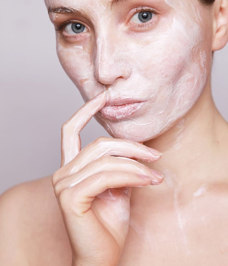 Skin Care Guide: All You Need to Know the Tricks to Deal with Oily Skin