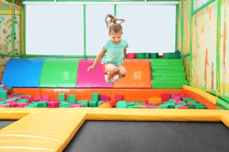 Children's trampolines: types, models and tips for choosing
