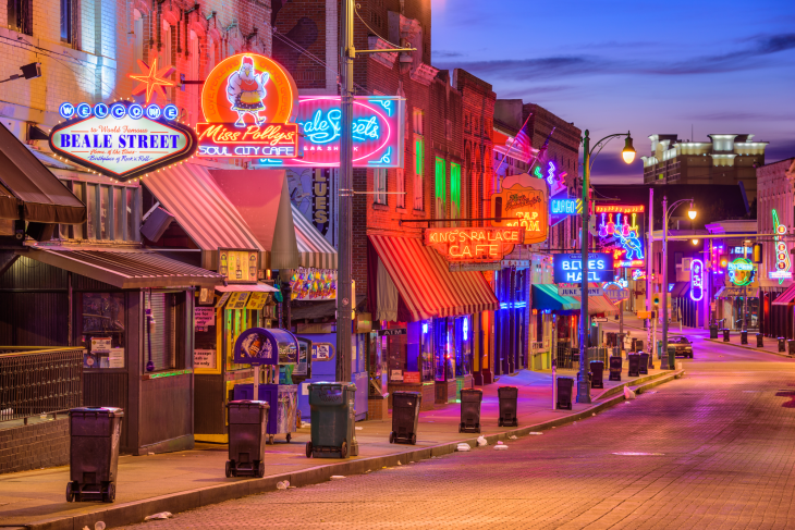 The Advantages Of Using Neon Signs For Your Business