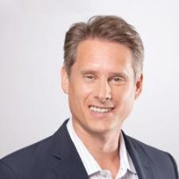 Ken Rutkowski - Founder & CEO  Business Rockstars 2017 KEYNOTE SPEAKER DIGITAL MEDIA SUMMIT TORONTO, ONTARIO, CANADA