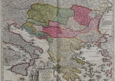 FLUVIORUM IN EUROPA PRINCIPIS DANUBII CUM ADIACENTIIBUS REGNIS nec non totius Graeciae Et Archipelagi Novissima Tabula