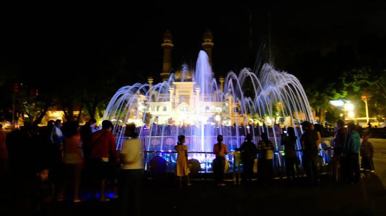 Travel Surabaya malang turun alun alun malang
