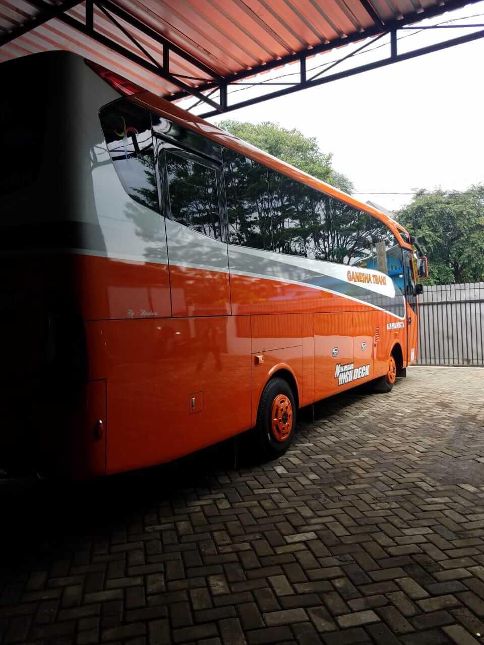 sewa bus di malang terbaik