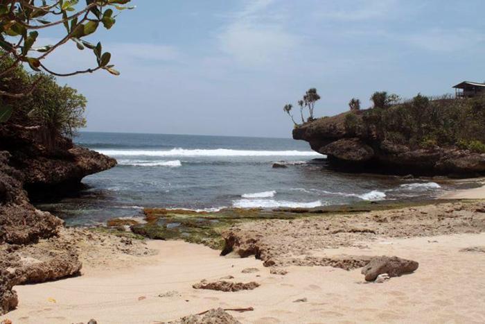 pantai pawonan