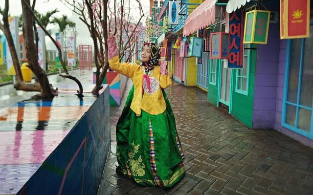 sewa baju korea di flora wisata san terra