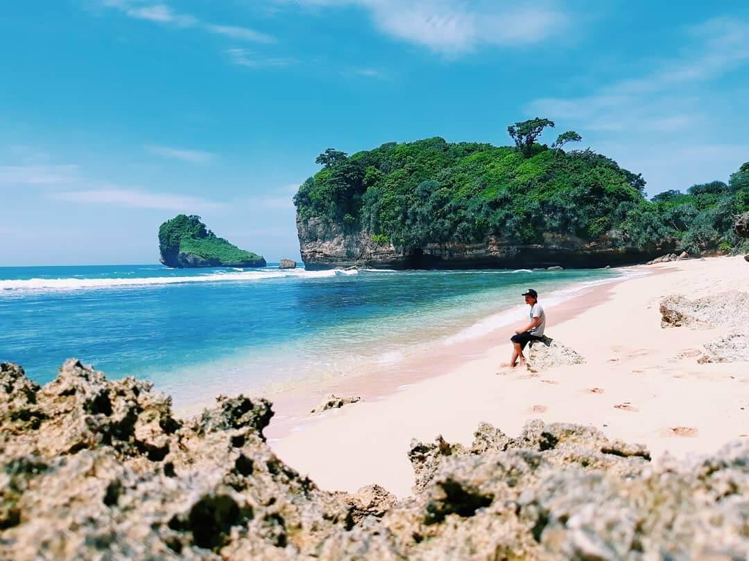 pantai seling ombo