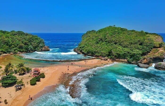 pantai watu bengkung