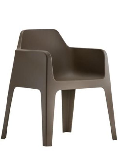 brun plast stol