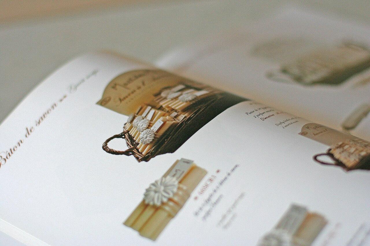 Brochure sur Mathilde des savon et aussi des plâtrerie parfumé