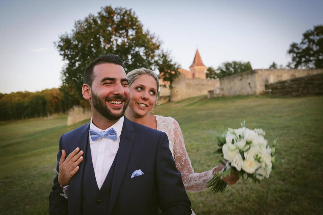 Photographe de mariage Villenave d'Ornon Bordeaux aquitaine Sud-Ouest chris-creation Christophe boury - Photo de couple les amis les interpellent