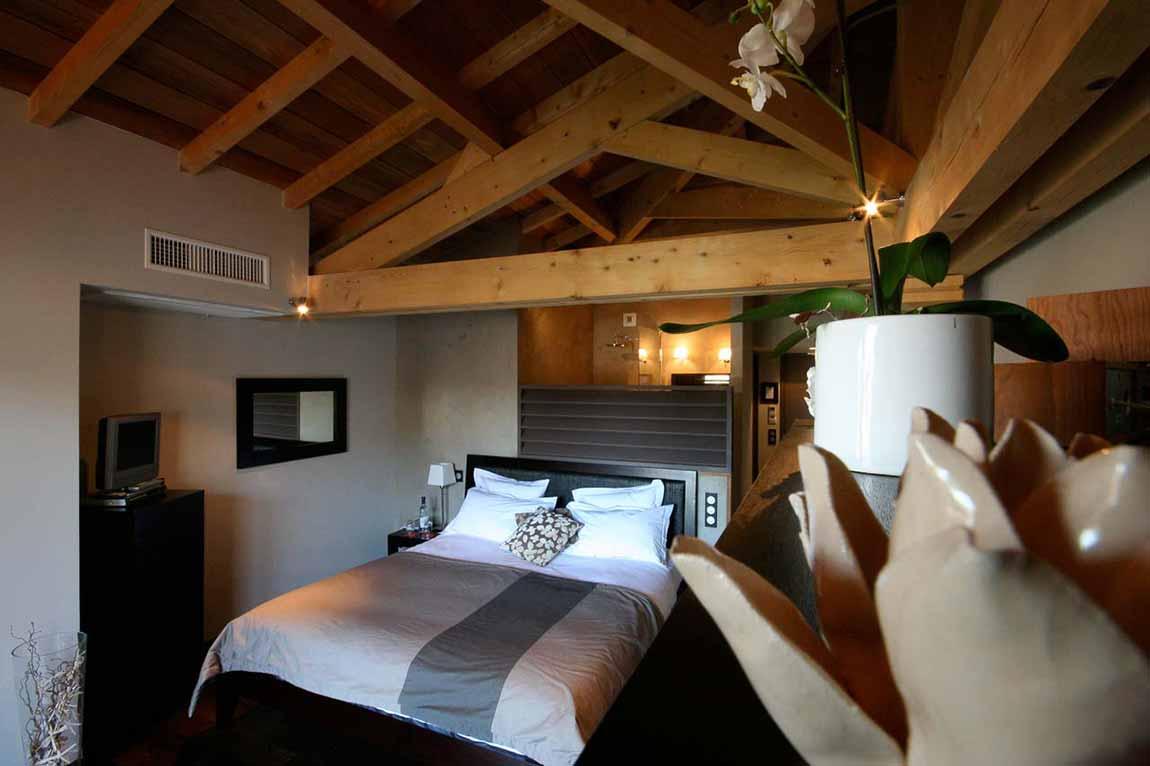 Clichés une chambre d'hôtel sur le bassin d'Arcachon