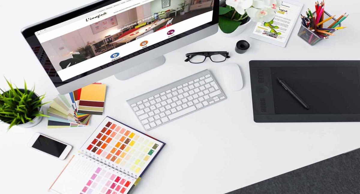 Graphistes freelances à Bordeaux disponibles dès maintenant pour réaliser vos logos, vos chartes graphiques et l'ensemble de vos documents.