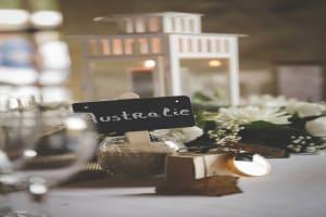 Photographe de mariage Villenave d'Ornon Bordeaux aquitaine Sud-Ouest chris-creation Christophe boury - détails de la décoration de la table avec comme thème le voyage