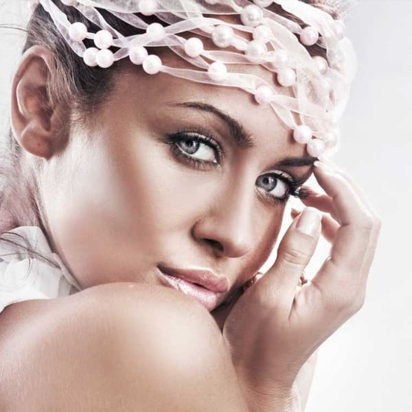 femme personnes femmes produits de luxe belle retouche glamour formation photo et graphisme