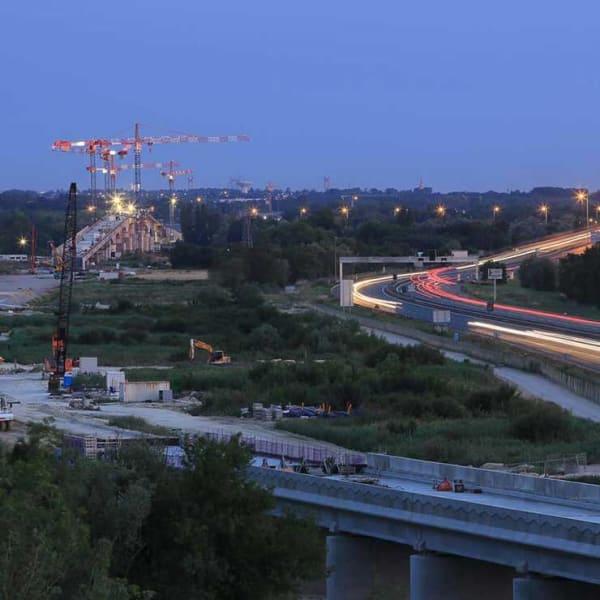 Photo d'entreprise professionnelle Corporate du nouveau train à grande vitesse la LGV Aquitaine Bordeaux Gironde formation photo et graphisme