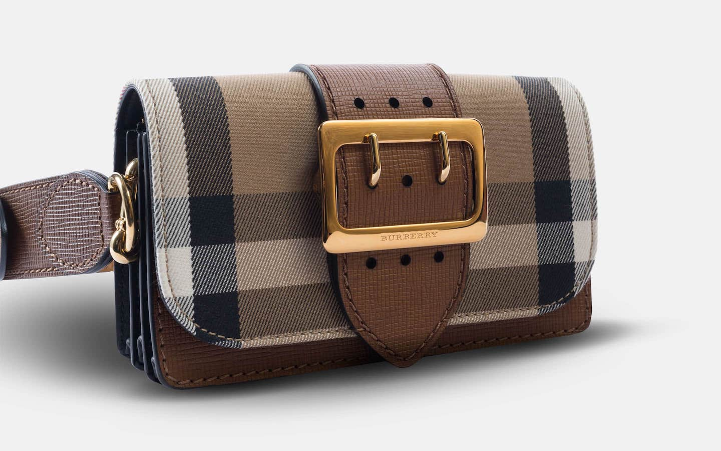 Burberry_House_Check_Buckle_Bag_Brown_Clutch_Angle_Close-min