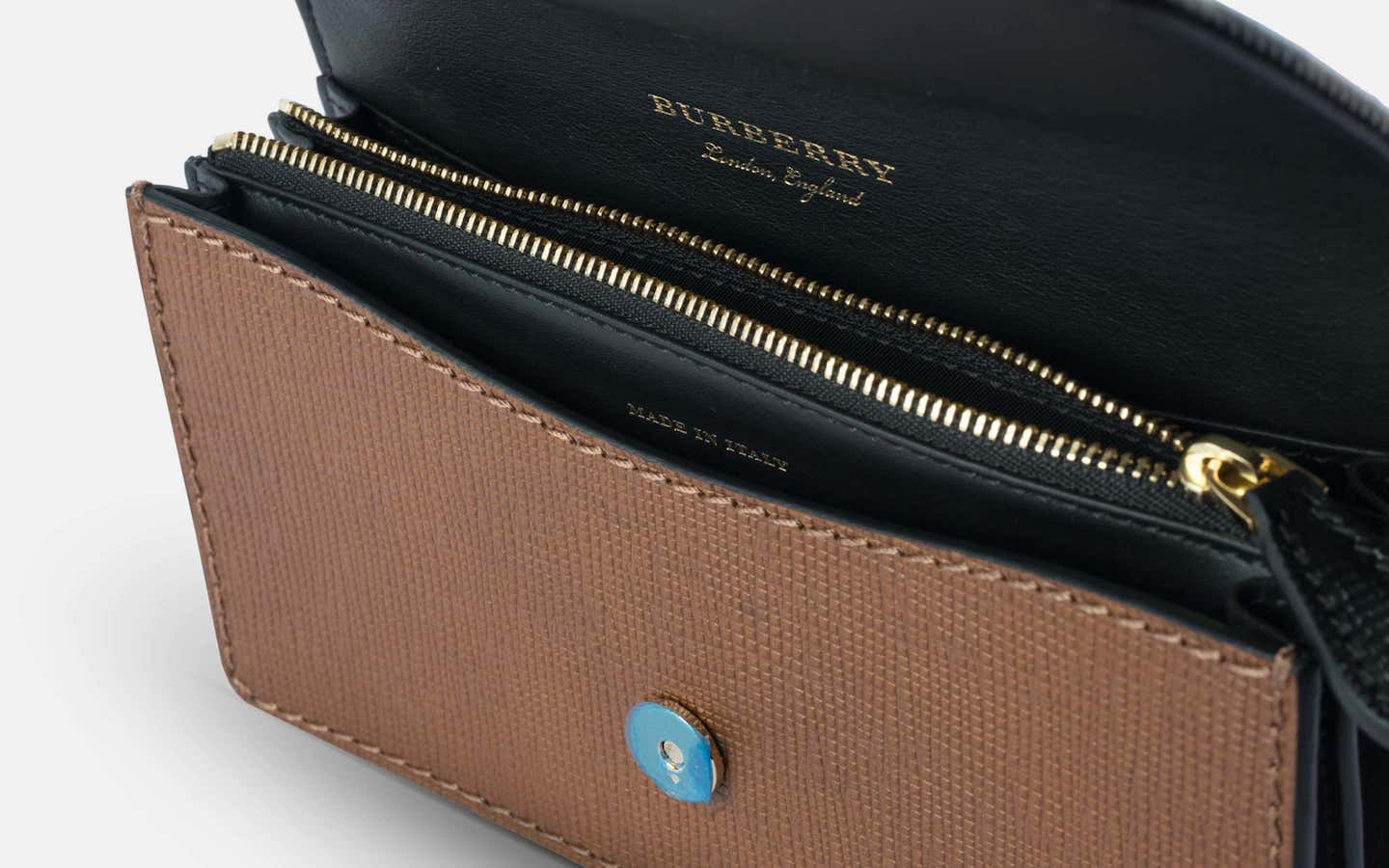 Burberry_House_Check_Buckle_Bag_Brown_Clutch_Perspective-min