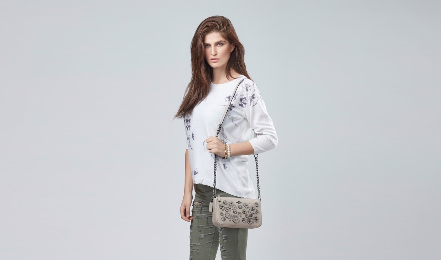 coach-willow-white-med-21-min-min